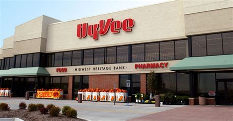 Hy-Vee scales back expansion, restaurants: reports