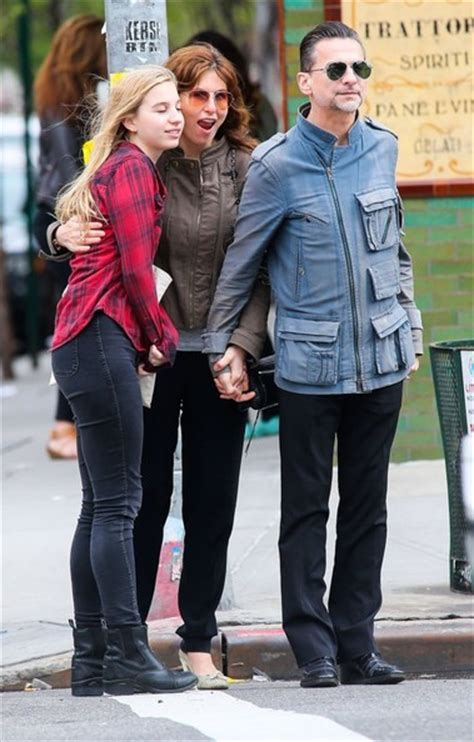 Dave Gahan Takes His Family to Brunch - Zimbio