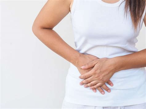 Gallstones: Treatments, symptoms, and causes