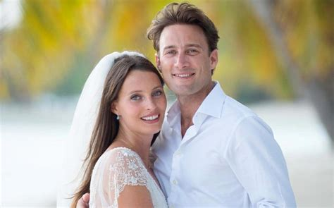 Deliciously Ella ties the knot on the tropical island of